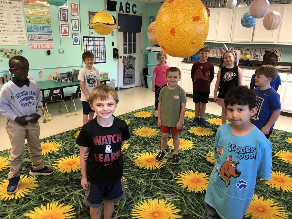 FCE kindergarten learning about the solar system
