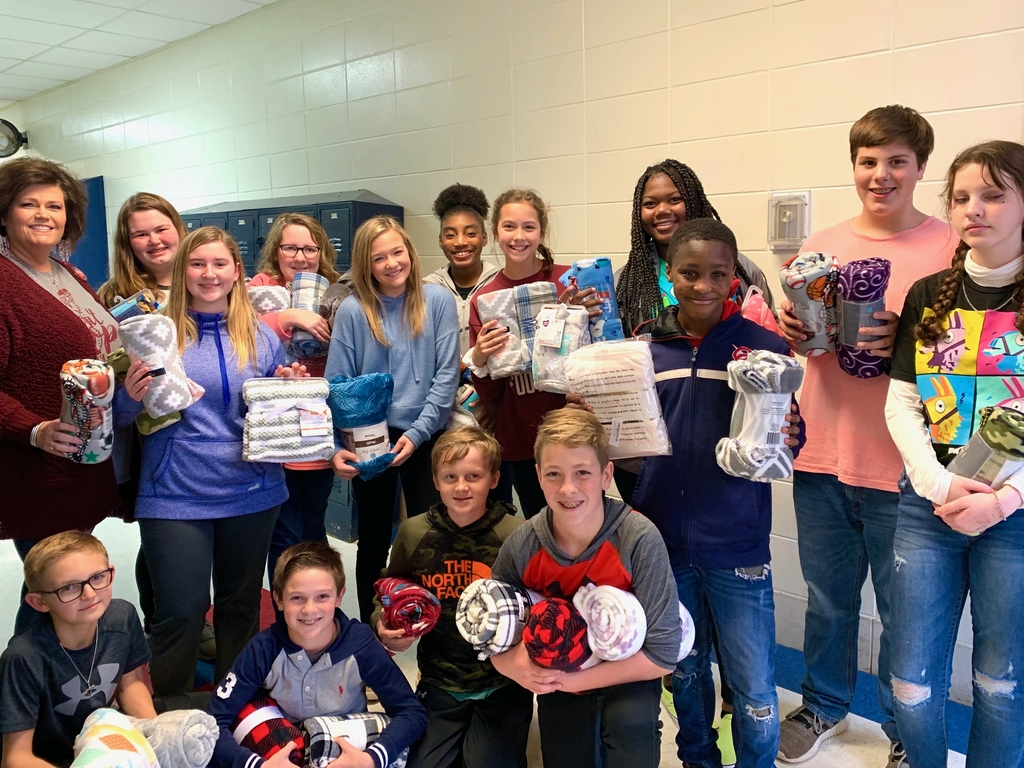 CCHS jr beta club with blankets