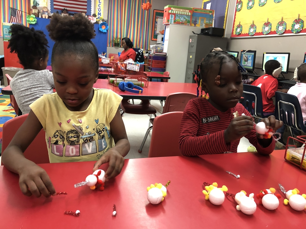 Wes students making Christmas ornaments