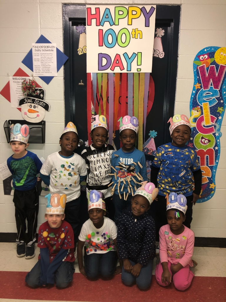 Wes students celebrating 100Days.