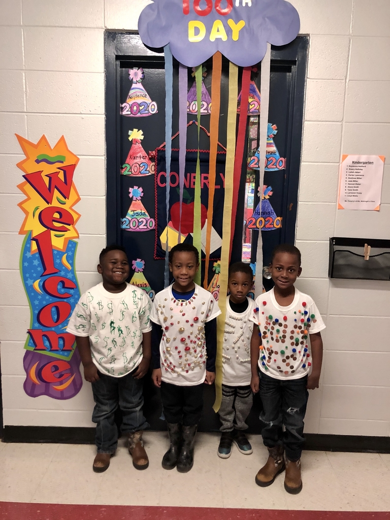 Wes pre-K students 100th day