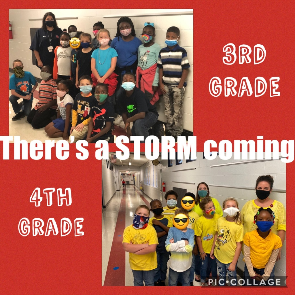 Students wear class colors on Storm day!